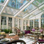 Gradina de iarna – creeaza-ti propria oaza de relaxare cu ajutorul elementelor de inchidere terasa