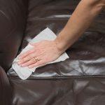 Cum sa curat canapeaua de piele?